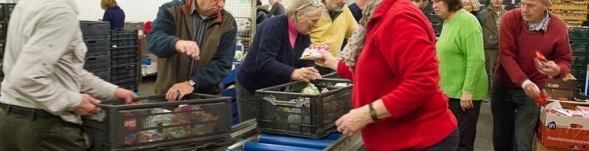 <a href='http://voedselbankennederland.nl/nl/vrijwilliger-worden.html'><div style='color: #000;'>Ruim 40 vrijwilligers zijn actief </div><div style='color: #d9782d;'>bij ons betrokken</div></a>